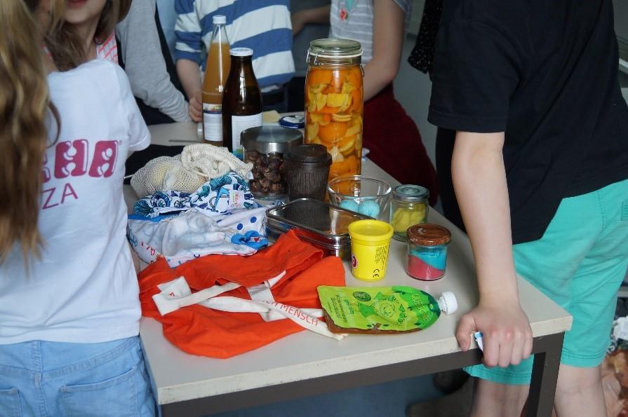 Weniger ist manchmal mehr! – Abfallvermeidungsworkshop mit St. Ursula Grundschule, 21.05.19